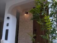 照明や収納に工夫やこだわりを散りばめた、たっぷりの光を取り込む新築無添加住宅。